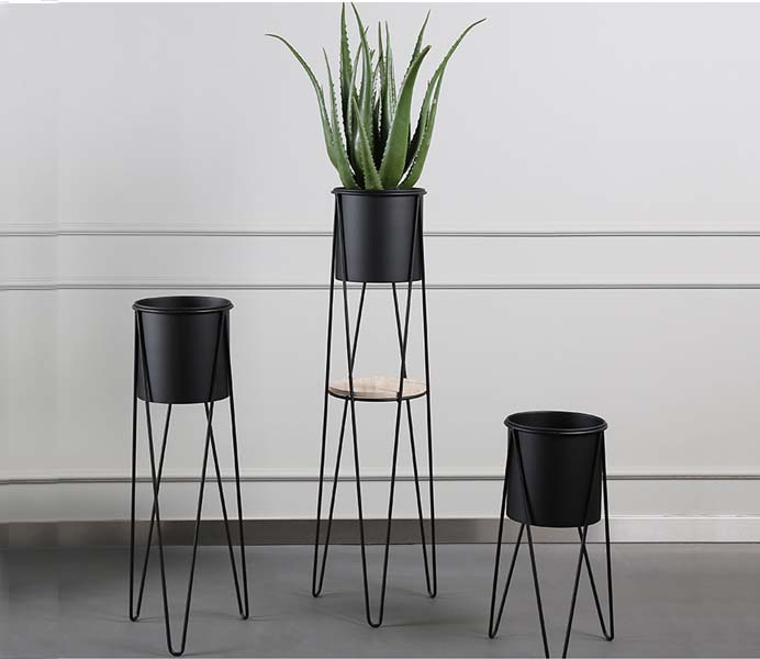 Black Metal Floor Flowerpot
