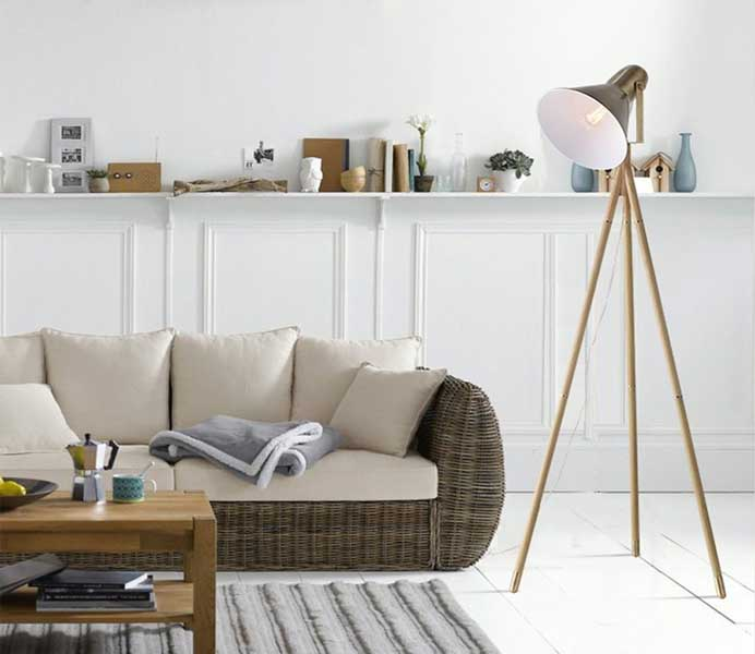 Wood Lines Tripod Metal Industrial Style Floor Standing Lamp with E14