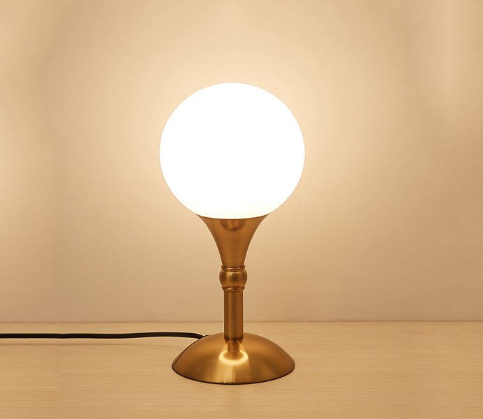 Simple Gold Iron Mini Table Lamp with Glass Shade