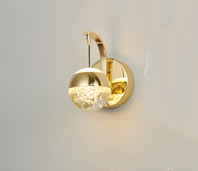 New Design Gold Finish 8W Wall Sconce with Ball Crystal